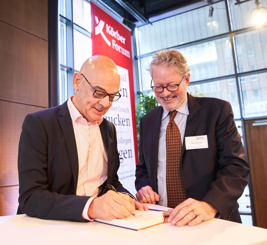 """Dieter Bednarz signiert Marc Freedman """"Zu jung für alt"""""""